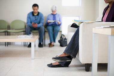 83403924_People_in_Waiting_Room
