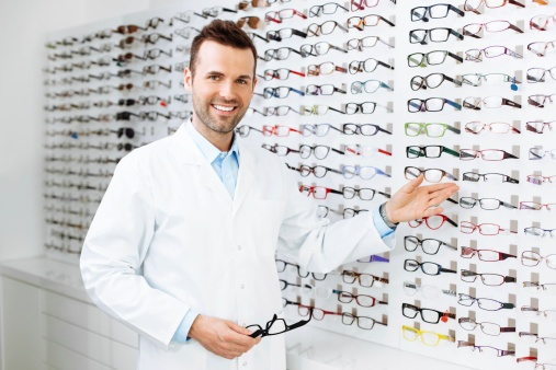 451593173_Optician_selling_glasses.jpg