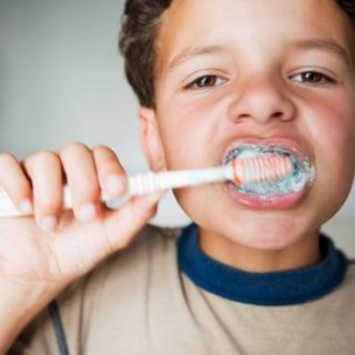 78807093_Boy_Brushing_teeth.jpg