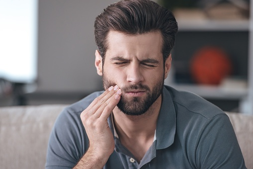 511735262 man with toothache
