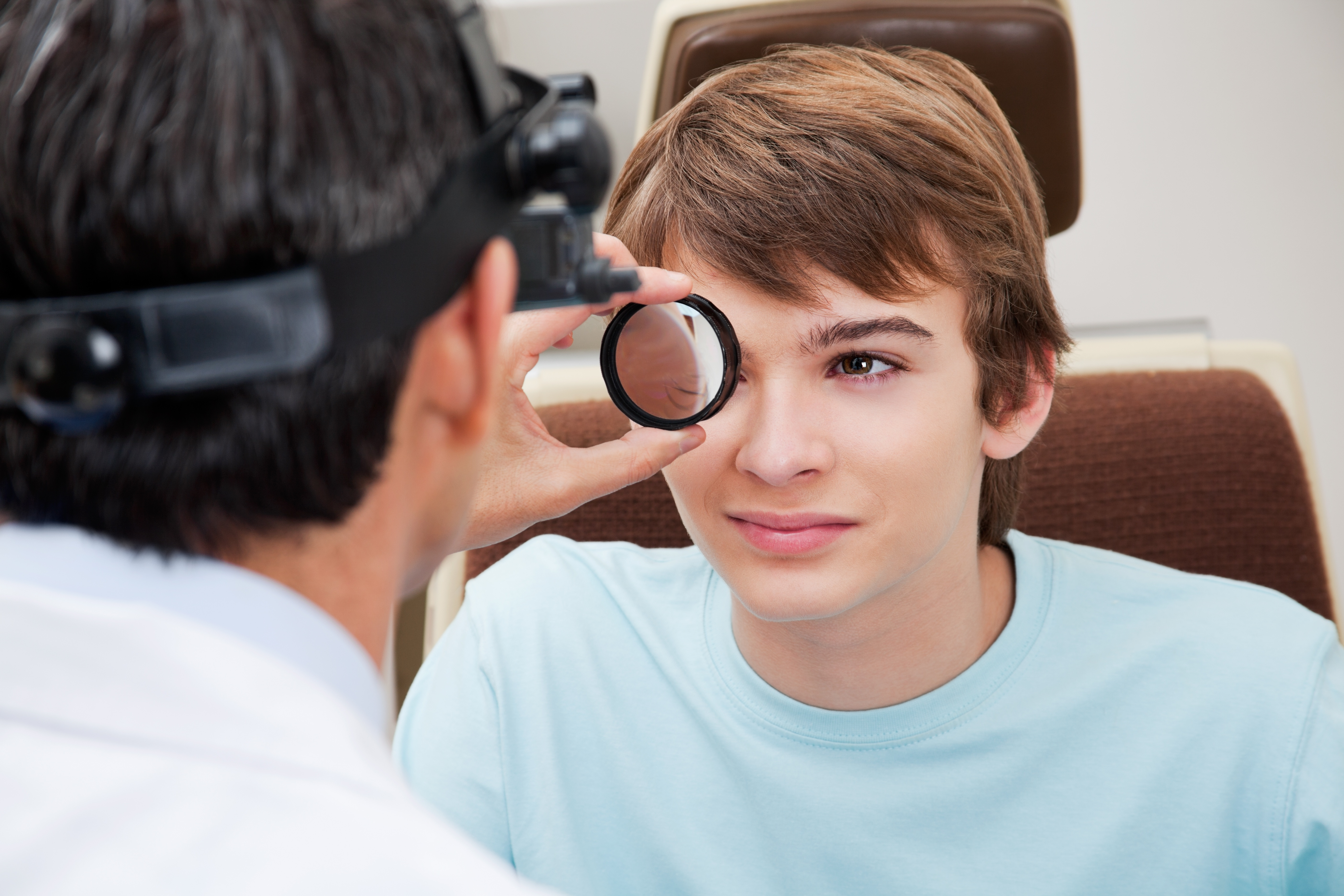 Why does the eye doctor dialte your eyes, eye doctor, vision health, vision insurance, eye health