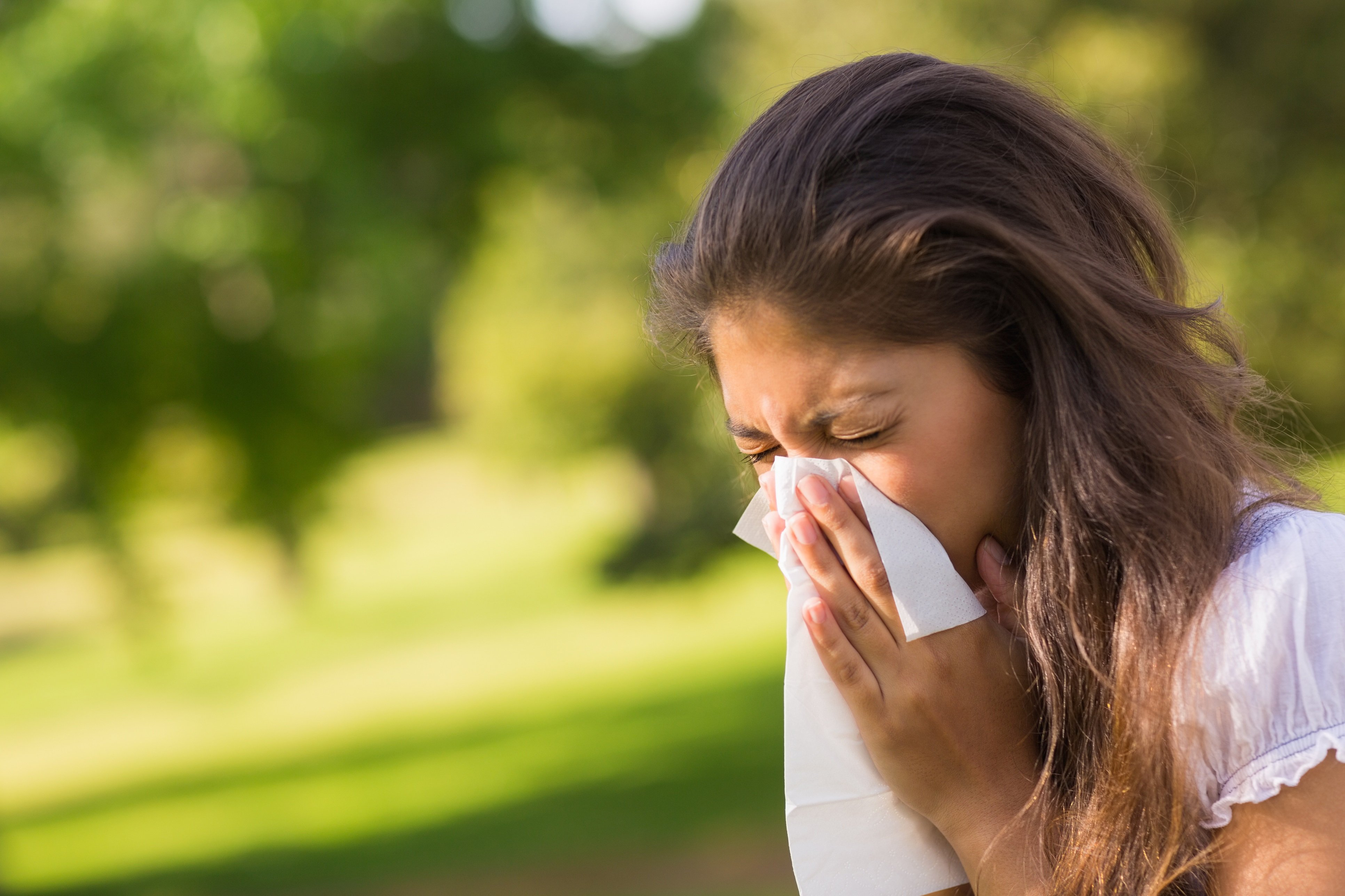 spring allergies; how to protect your eyes