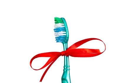 toothbrush buying tutorial; electric, power, manual-and the differences between them